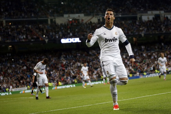 PSG are tempting Cristiano with an annual salary of 18 million